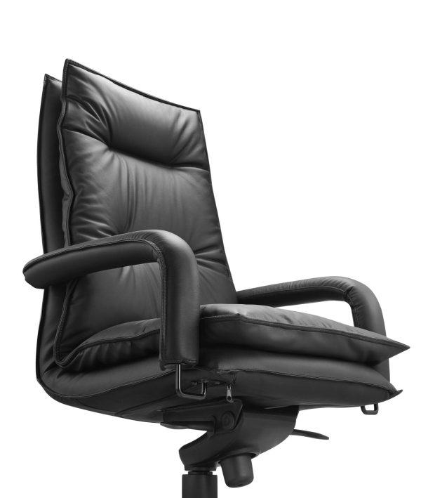 Blisso Chair